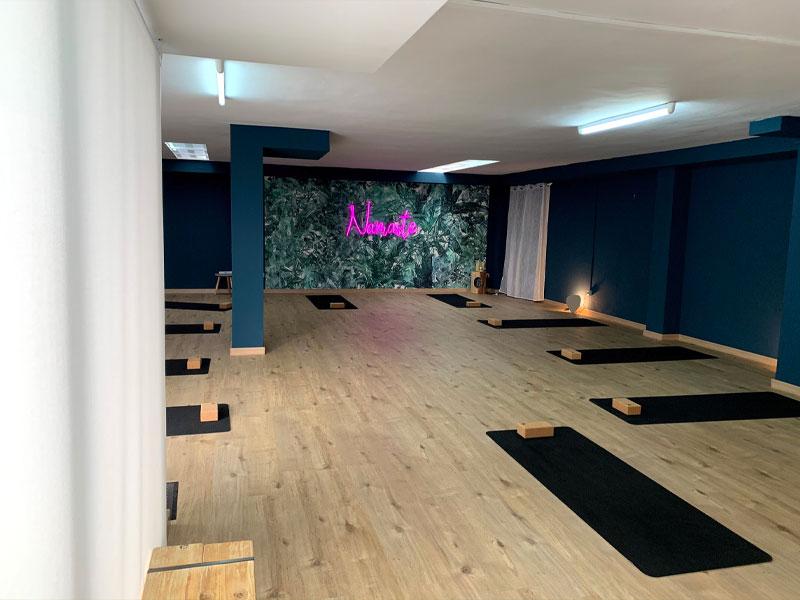 sala yoga en tavernes de la valldigna. Clínica de fisioterapia J.J. Boscà