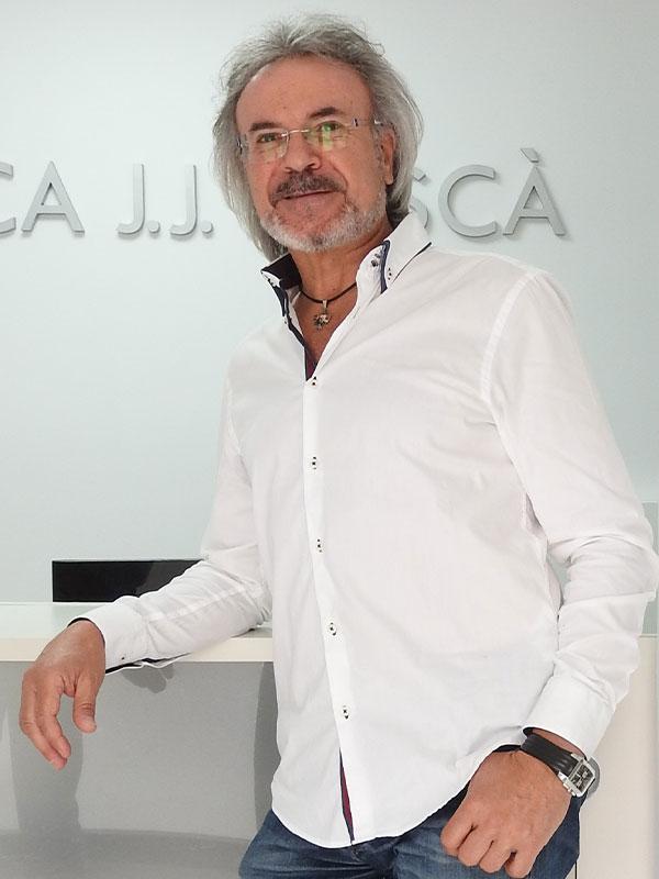 Juan José Boscà Gandia director de la clínica de fisioterapia y osteopatía Clínica J.J. Boscà en Tavernes de la Valldigna Valencia